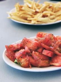 Tomato Salad (athensvoice.gr)